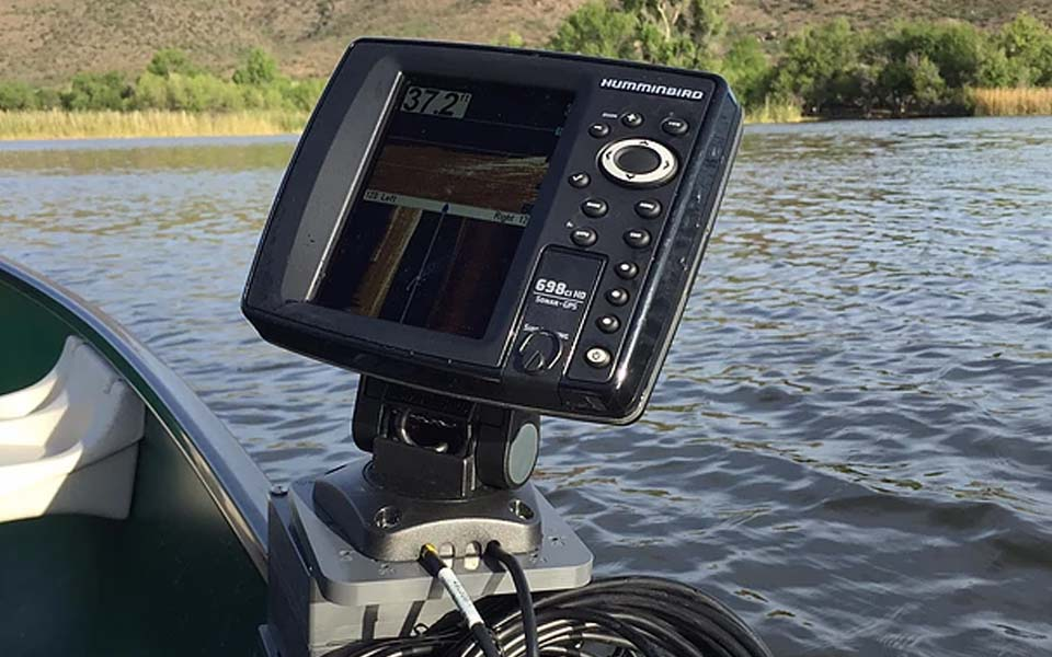 Learn How to Install a Fishfinder on a Boat 1