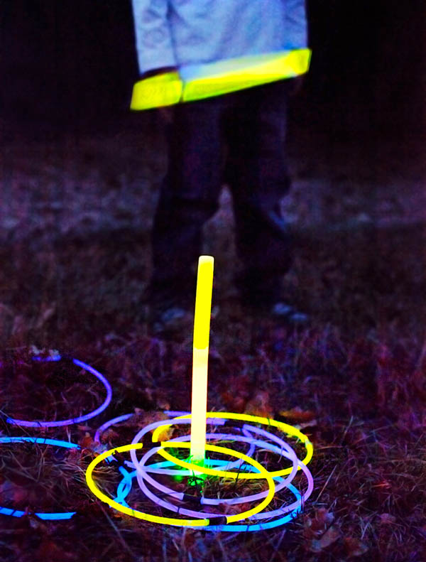 Glowing ring toss